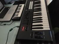 Novation launchkey 49 mk2 Midi Keyboard controller mint