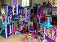 Monster High Deluxe Dolls house