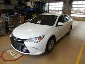 2016 Toyota Camry LE Fuel efficient and comfortable