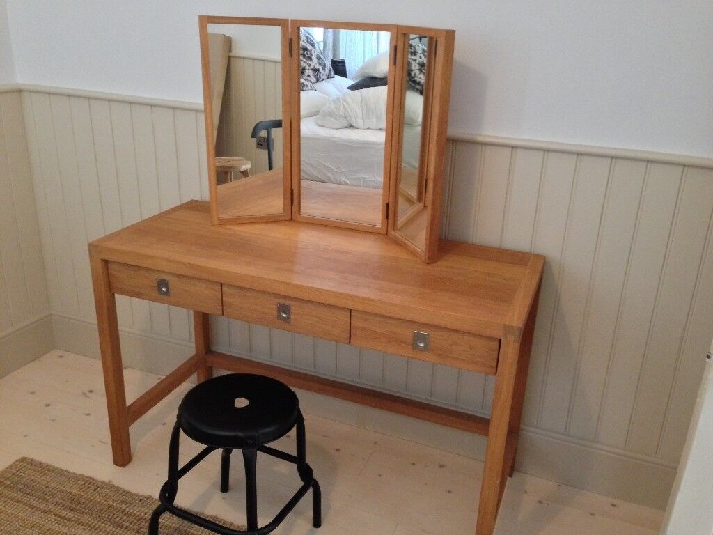 Modern Oak Dressing Table And Mirror