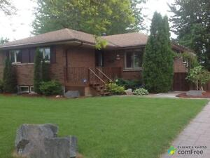 $399,900 - Raised Bungalow for sale in Glencoe