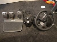 Logitech G920 Steering Wheel with pedals and Shifter for PC / Xbox