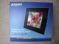 "** NEW ** in original packaging Jessops 8"" black acrylic digital picture frame. £20 ovno."