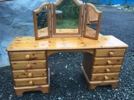 WOW stunning Ducal pine nine drawer dressing table with sit on mirror and felt lined trinket drawer