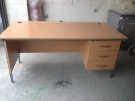 Large office desk with 3 drawers