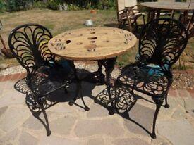 GARDEN / PATIO SET - CAST IRON BRITANNIA TABLE WITH CLOCK FACE WOODEN TOP + 2 CAST ALUMINIUM CHAIRS