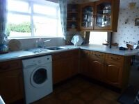 Kitchen units, including sink/mixer taps, Canon cooker (hood)