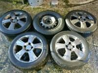 "4 x 15"" alloy wheels + 1 spare wheel"