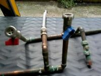 Valves straight through for wm, set hot/cold taps, set turn slots & a stainless steel flexi hose