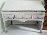 White shabby chic bureau / desk
