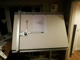 Draughting machine/drawing board