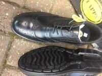 Safety shoes Size 8 new boxed