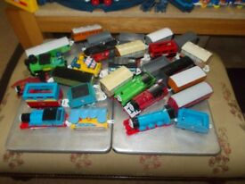 TOMY RAILWAY SET IN USED CONDITION BATTERY DRIVEN & LOTS OF TRACK