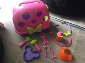 Minnie Mouse vet kit