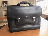 TUMI Formula T Leather 2951D Black Leather Attache Computer Briefcase Bag