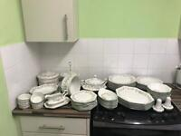 Classic style dinner set make me a offer