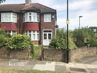 Large 4 Bedroom House in Palmers Green, N13, Great Location & Condition