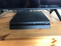 PS4 500gb 16 games and two controllers