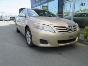 2010 Toyota Camry LE V6 WITH LEATHER & MOONROOF