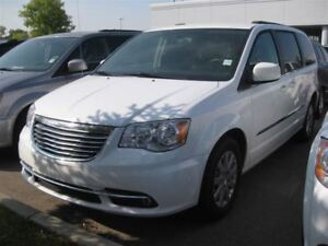 2016 Chrysler Town & Country Touring 3.6L | Keyless | Cloth |Cam