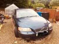 Volvo V70 2005 front bumper and grill
