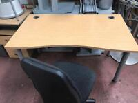 1400mm Mid Curved Desk