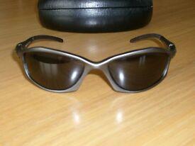 Oakley USA Mens Sports Sun Glasses