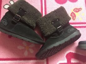 2 pairs of boots - Next and Vertbaudet - Kids Size 9 - New, never worn