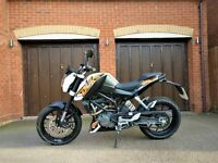 KTM Duke 200 only 800 miles. ABS. 6 speed manual. As new condition