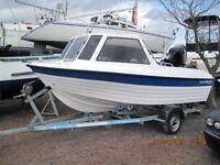 Explorer Elite 165 fishing boat