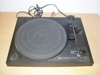 Yamaha 2 Speed Stereo Turntable, CD Player, Cassette Player, Amplifier and Twin Speakers
