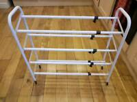Shoe rack detractable
