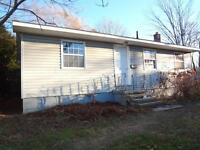 878 Regent - 4 Bed House, FIRST MONTH FREE!!!