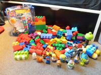 Mega Blocks Childrens plastic building blocks 1+years - over 160 pieces