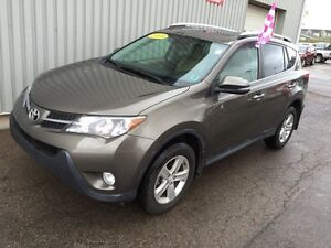 2013 Toyota RAV4 XLE WICKED DEAL! XLE ALL WHEEL DRIVE EDITION...