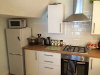 2 Bed Permanent Flat for Rent in Brixham, near to town, with parking