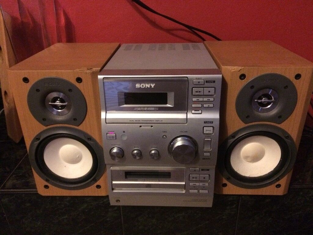 Sony Hifi, Old but Good Sound, 50W x 25H x 24D cm, £3 Collection Only Please