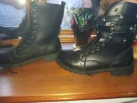 Like new boots size 7