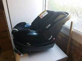 Mama and Papas car seat and iso fix base