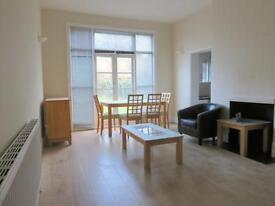 2 bedroom flat in Cranhurst Road, Willesden Green