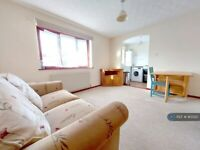 2 bedroom flat in Berkeley Mews, Falmouth, TR11 (2 bed) (#913520)