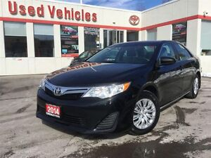 2014 Toyota Camry LE - BACK UP CAM / BLUETOOTH /
