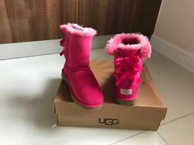100% genuine bailey bow uggs. Uk size 4 US 5. Fabulous condition