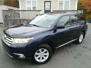 2012 Toyota Highlander ONE OWNER | UNDERCOATED | 7 PASS |