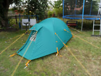 TENT EXCELLENT CONDITION 3-4 SEASON 2 PERSON