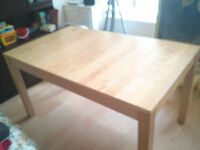 Dining table 140cm x 84 can be extended to 220cm x 84cm only £12 ono
