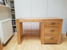 Solid oak desk with drawers