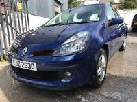 Renault Clio (low miles) (full years MOT)