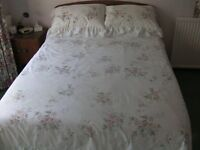 Reversible Double Quilt cover with 2 Pillowcases