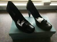 Ladies Ravel court shoes new